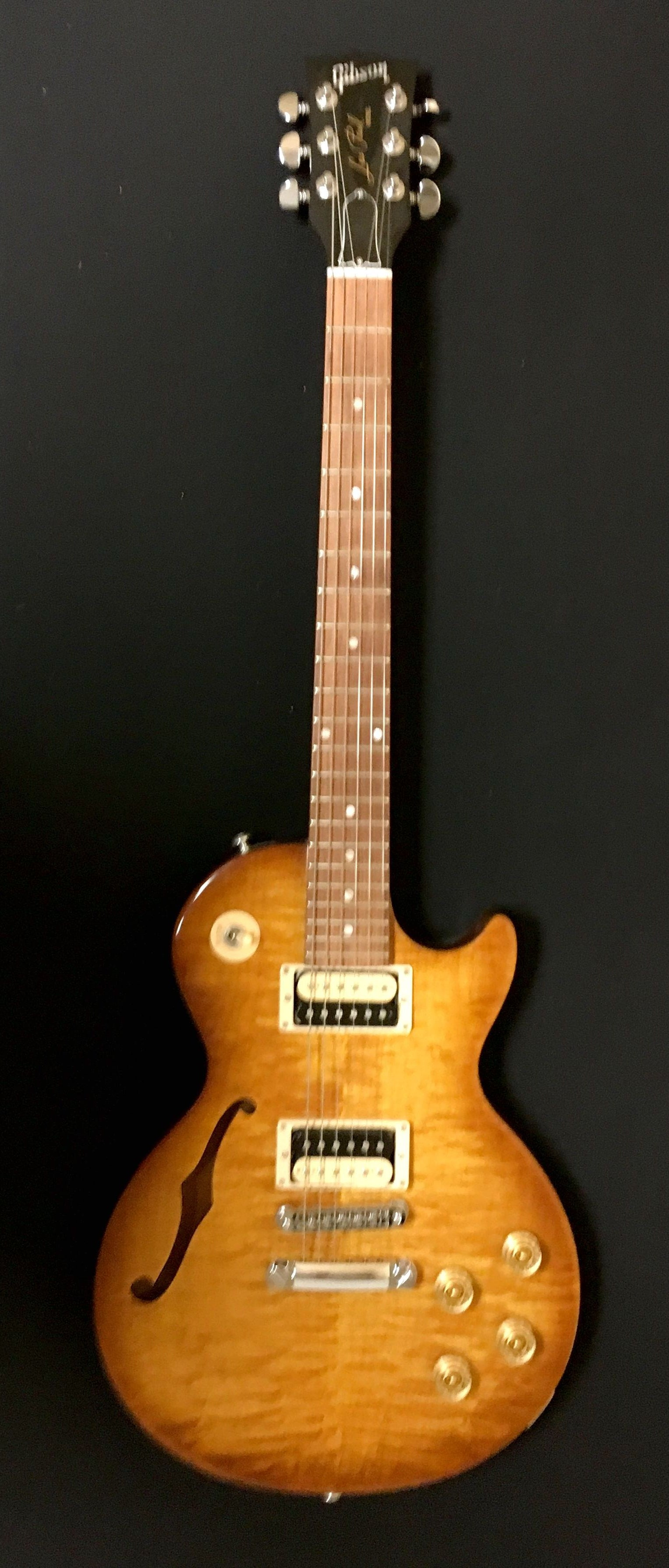 Gibson Les Paul Semi Hollow ****SOLD****