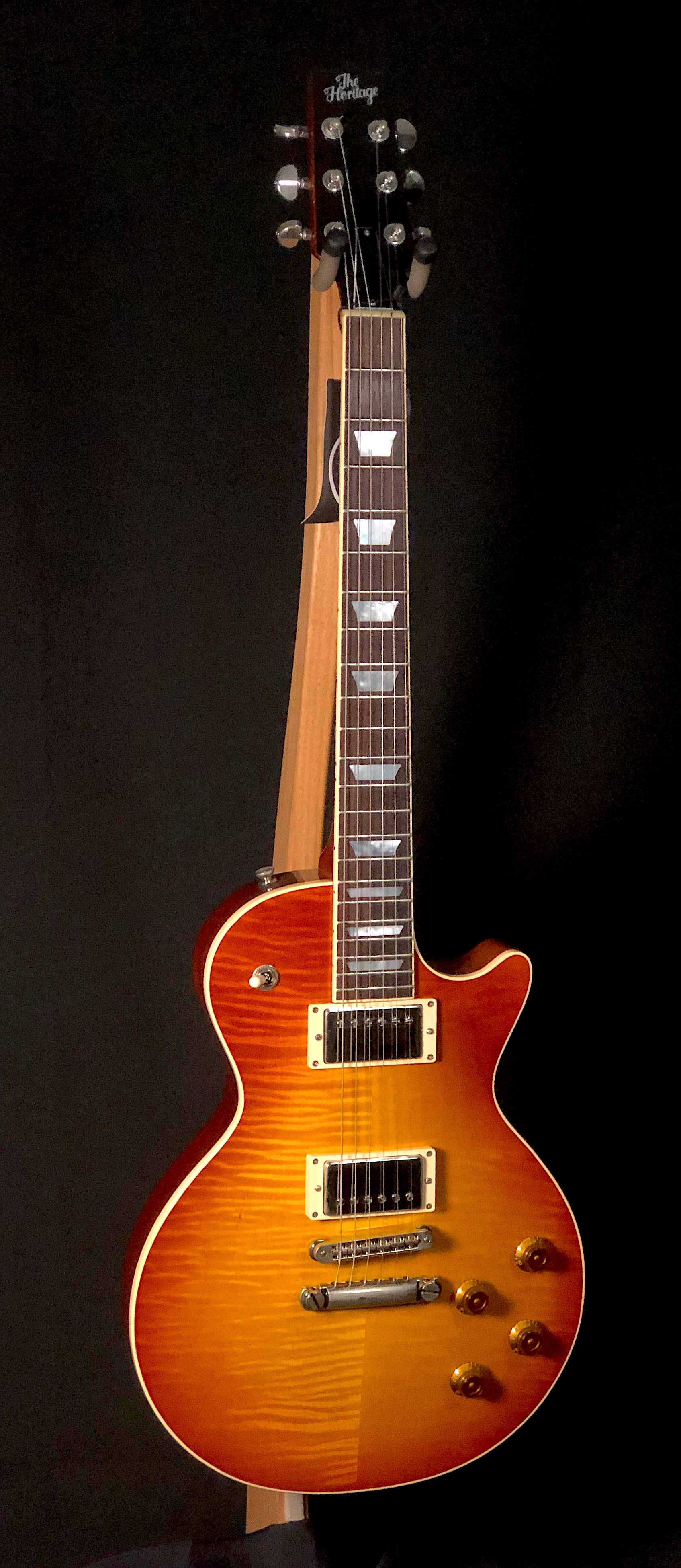 H150 Almond Sunburst
