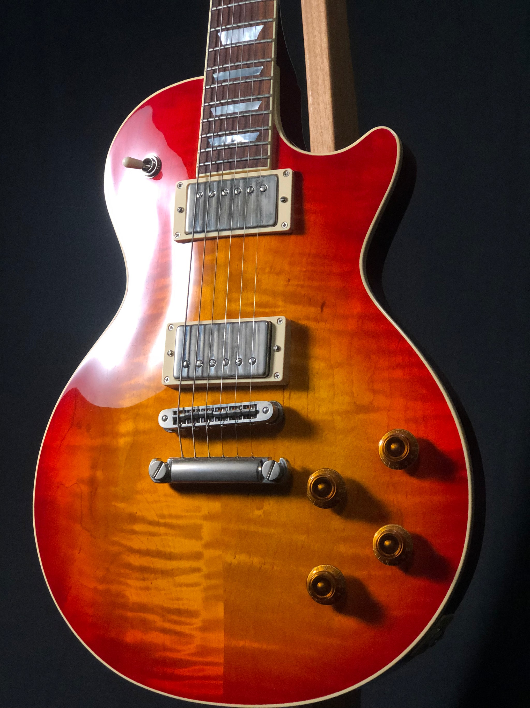 H150 Antique Cherry Sunburst