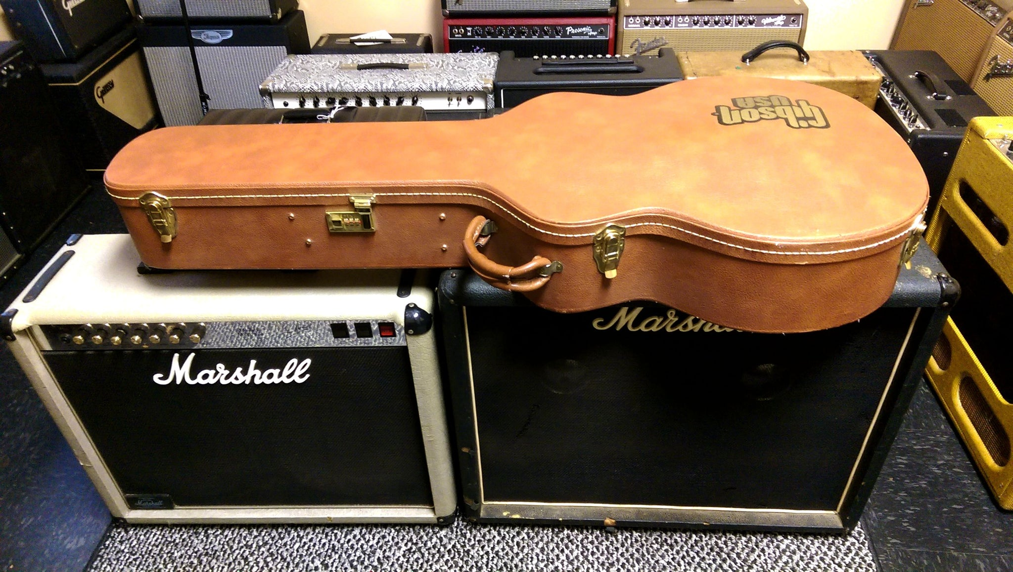 Sold Classic Gibson Super 400