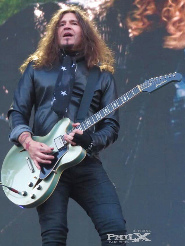 Phil X Playing his Jimmy Wallace MT