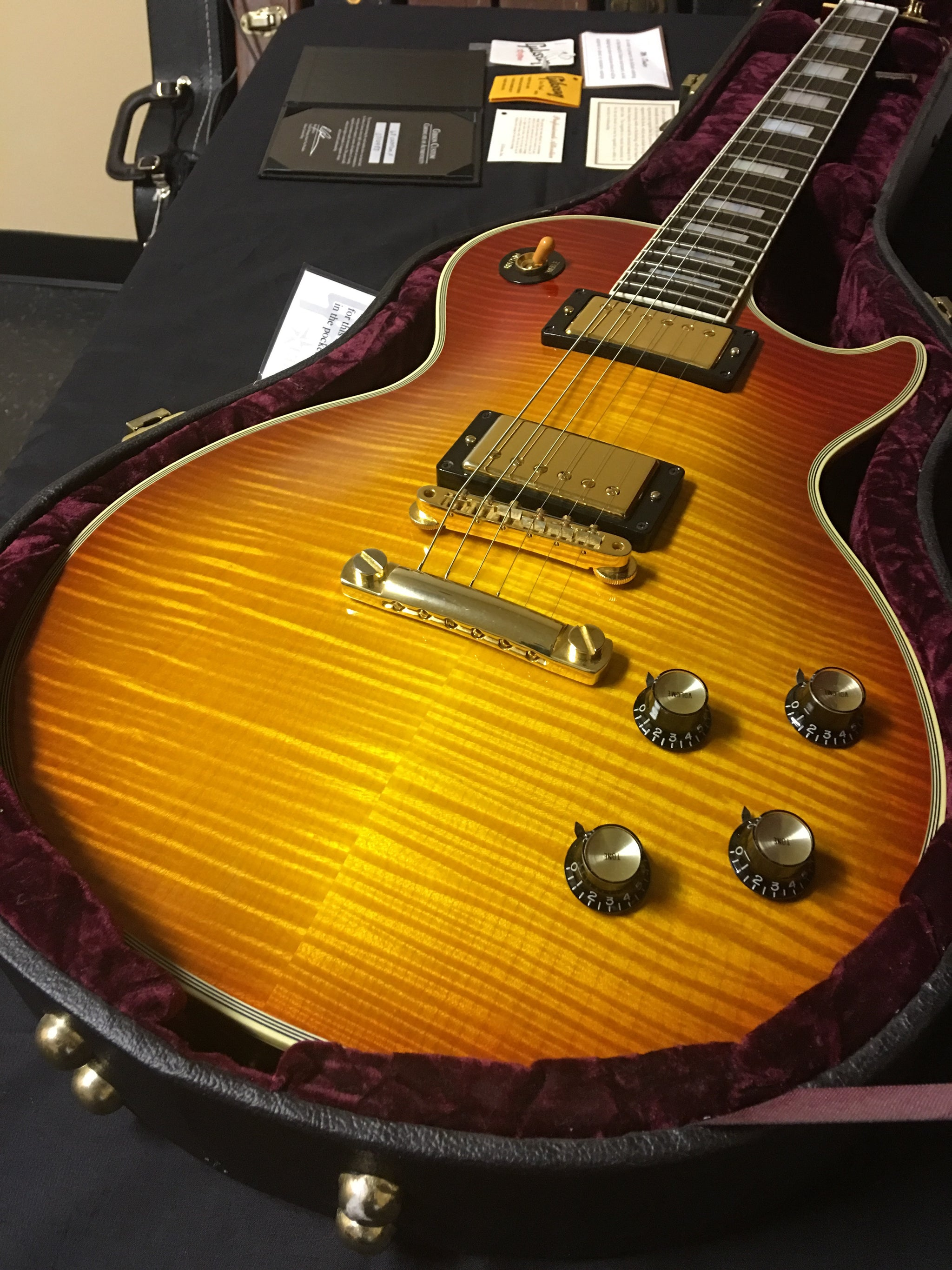 Gibson Les Paul Custom Historic 1968 Flame Top ****SOLD****