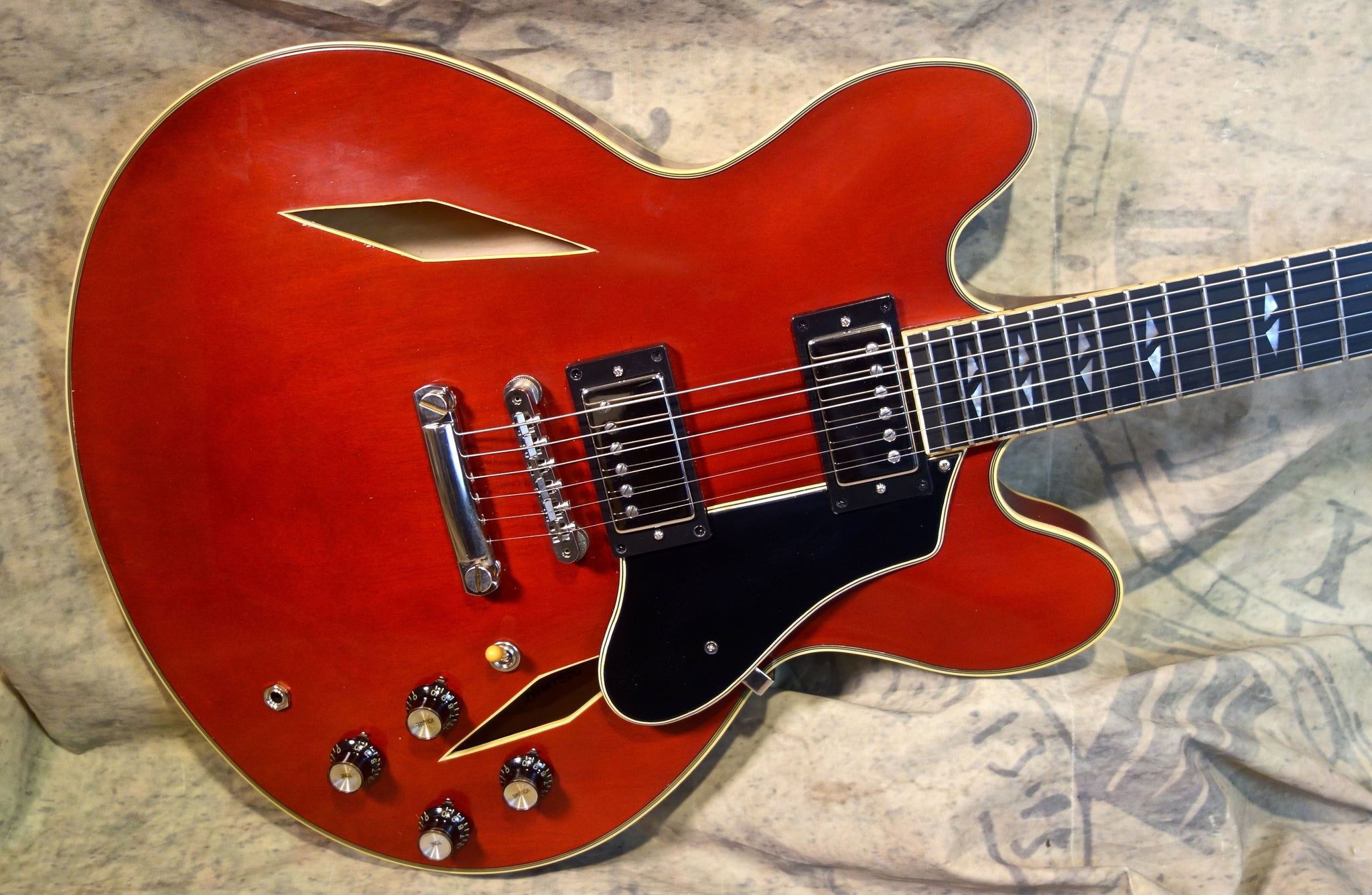 Jimmy Wallace MT -Classic Vintage Cherry