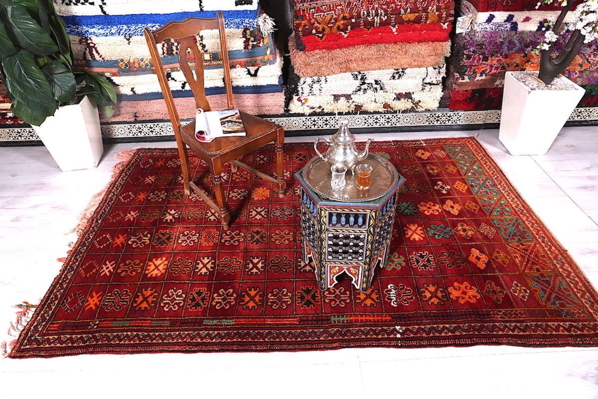 Moroccan rug decor