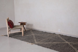 Grey moroccan rug 4.7 FT X 8.4 FT