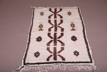 Moroccan beni ourain rug 2.7 FT X 6.1 FT