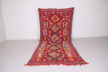 Long Moroccan rug 5.6 FT X 9.6 FT