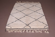 Wool Moroccan rug 3.9 ft x 6.5 ft