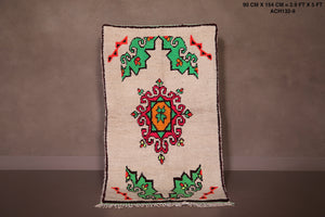 Small moroccan rug, 2.9 FT X 5 FT