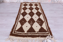 Small vintage berber rug, 2.3 ft x 5.6 ft