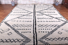 Moroccan rug 9.9 ft x 13.7 ft