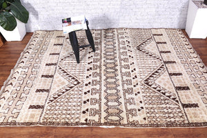 Moroccan rug 5.6 ft x 7.7 ft