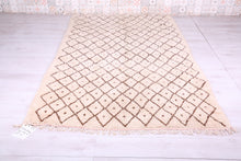 Moroccan rug, 5.6 FT X 9.1 FT