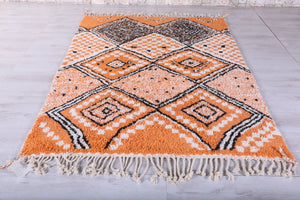 Gorgeous Moroccan rug, 5 FT X 7.9 FT
