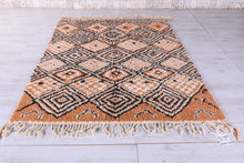 Wool berber rug, 6.2 FT X 8 FT