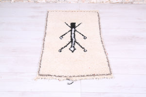 Small Moroccan rug 1.9 FT X 3.4 FT