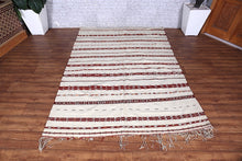 Moroccan rug 5 ft x 7.1 ft