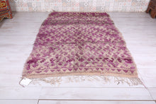 All wool Moroccan rug, 6 FT X 9.2 FT