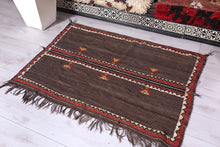 Moroccan rug 4.4 ft x 3.2 ft
