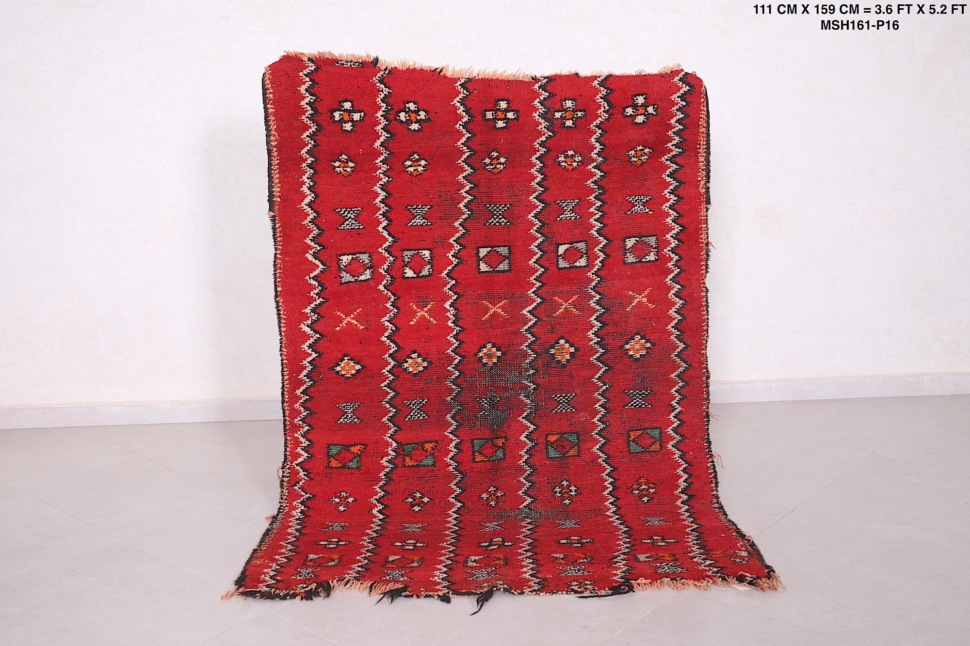 Moroccan Rug Red 3 6 Ft X 5 2 Ft Antique Azilal Carpet Boucherouite Rug