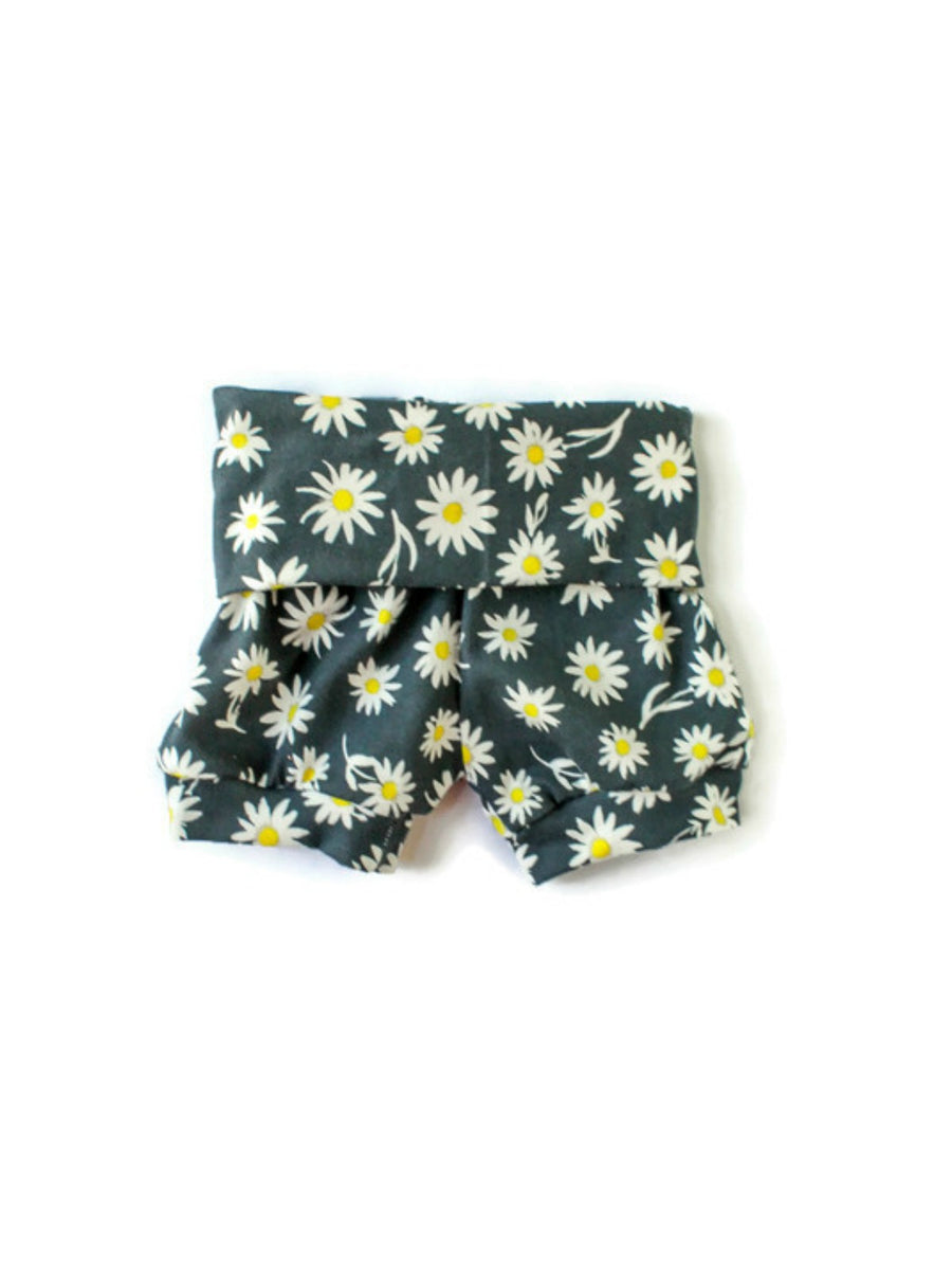 baby girl toddler girl daisies shorts