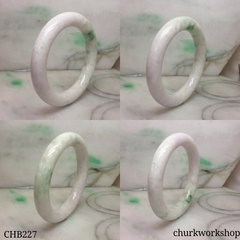 Pale lavender jade bangle