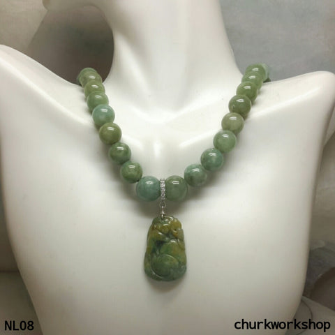 Yellowish green jade beads necklace