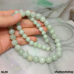 Light green jade beads necklace