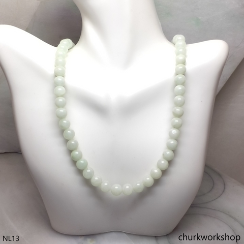 Pale green jade beads necklace