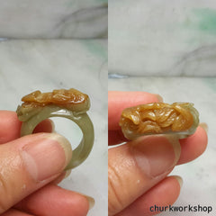Unisex red carved jade ring
