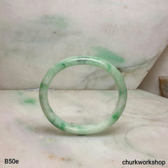 Green oval jade bangle