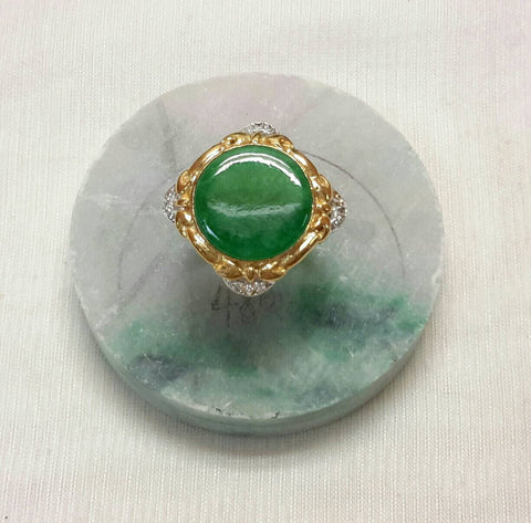 Green color jade 18k yellow gold