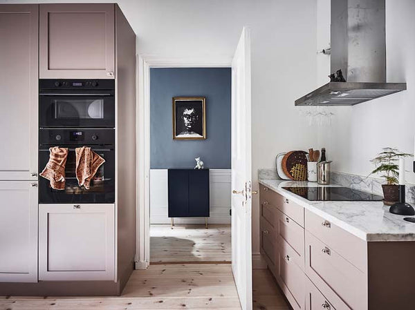 Swedish apartment with lovely pink kitchen 4