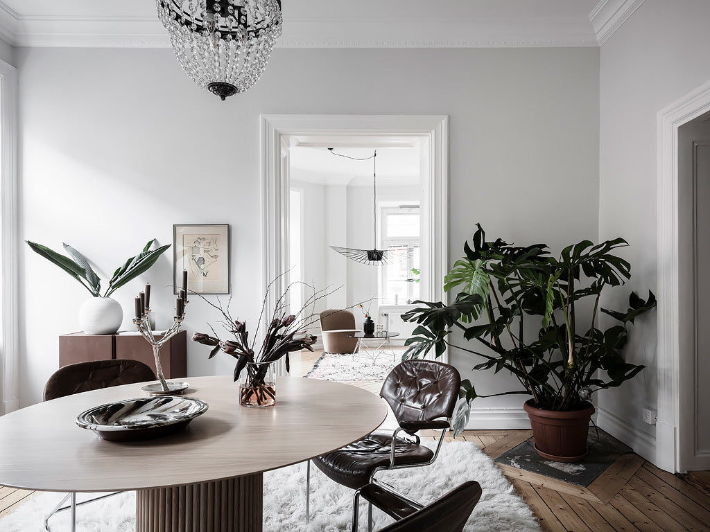 Dining room Scandinavian style with natural elements