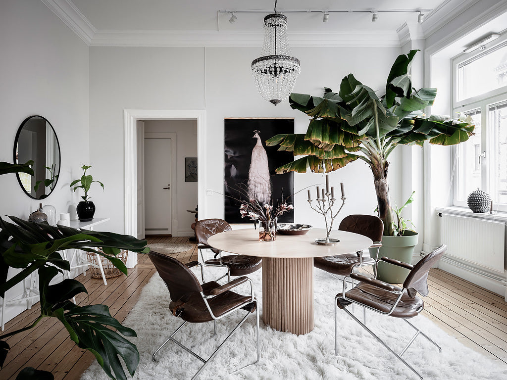 Scandinavian dining room in natural and neutral