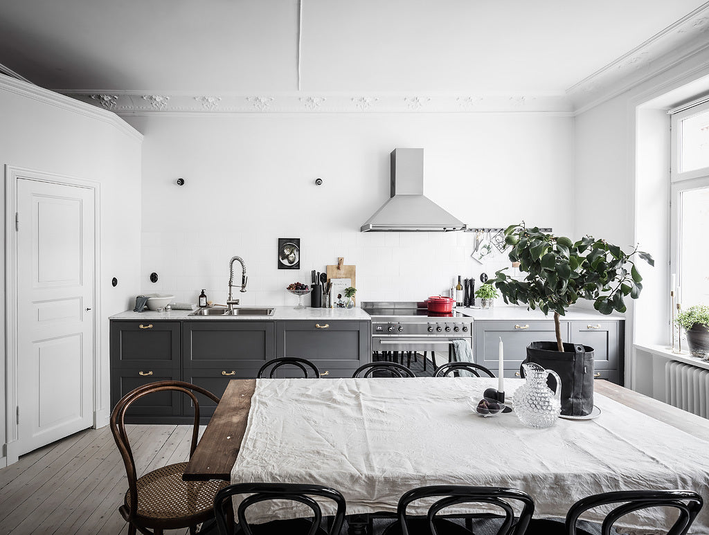 A Casual and Cosy Swedish Apartment   A Nordic Mood   Grøn + White