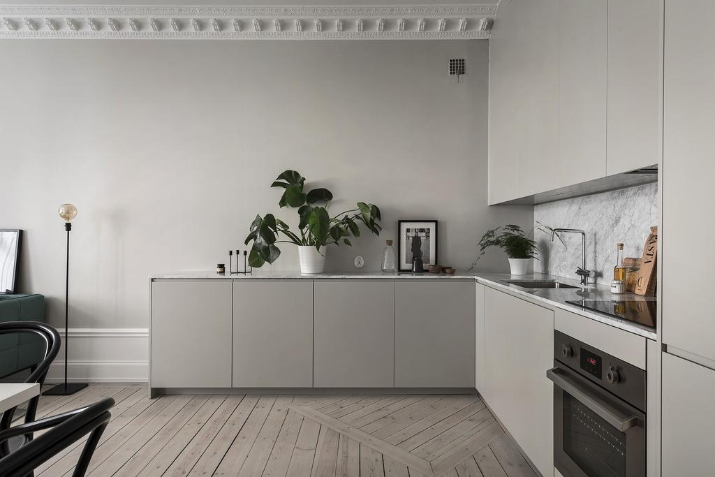 Kitchen in Light Grey in Lovely Swedish Apartment