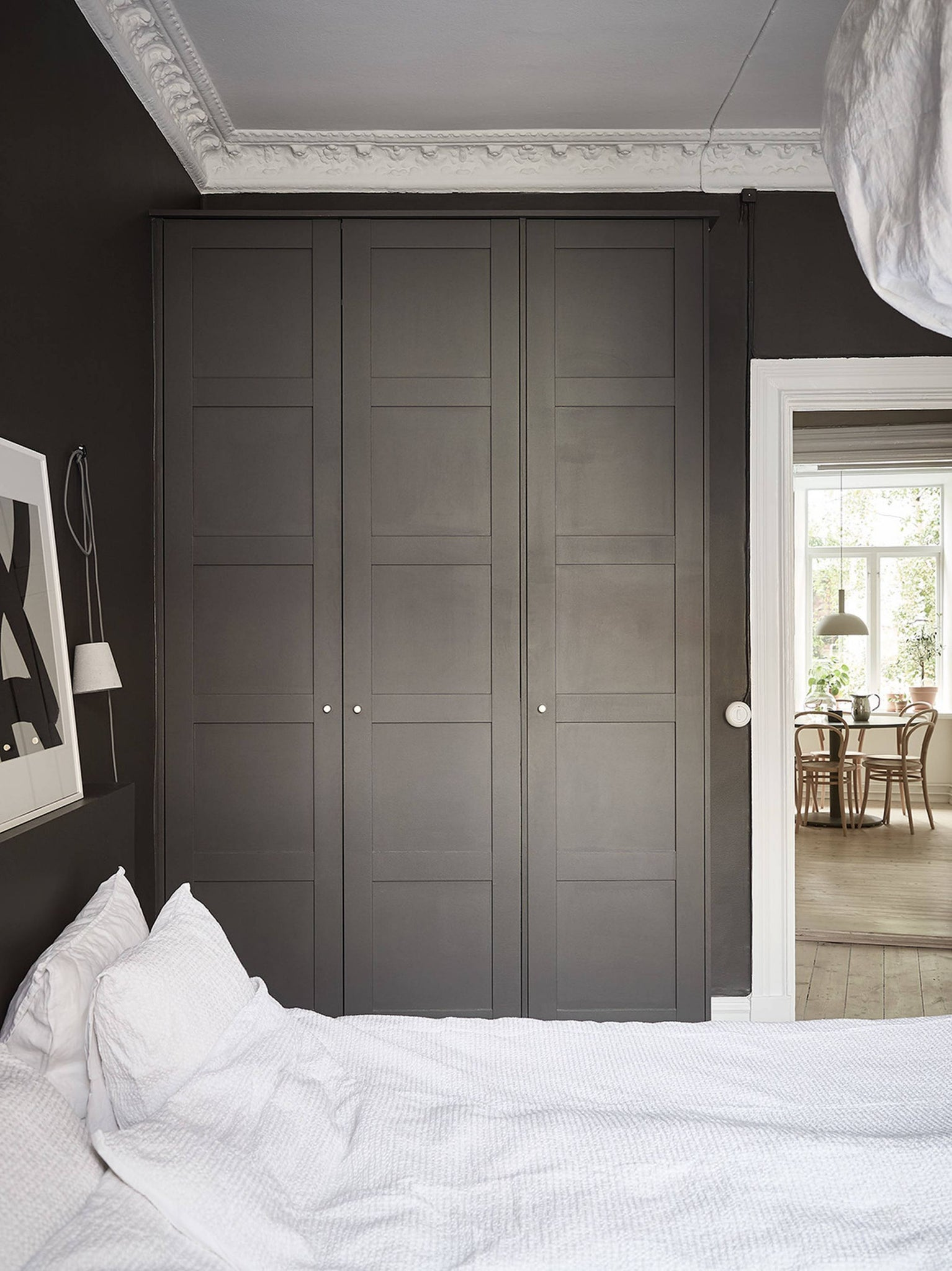 Bedroom in Gothenburg with stunning dark walls