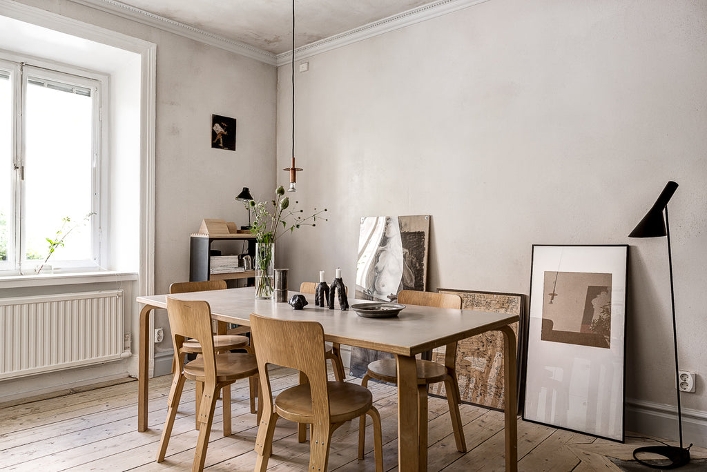 Aalto dinning table in a cosy Stockholm apartment
