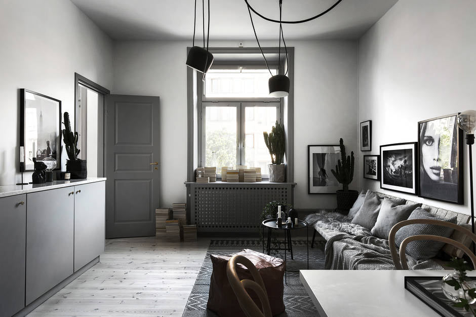 Living room in grey hues