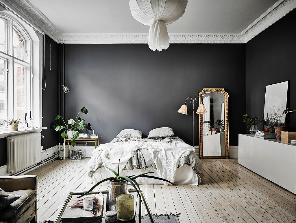 Stunning Gothenburg apartment with gorgeous dark walls