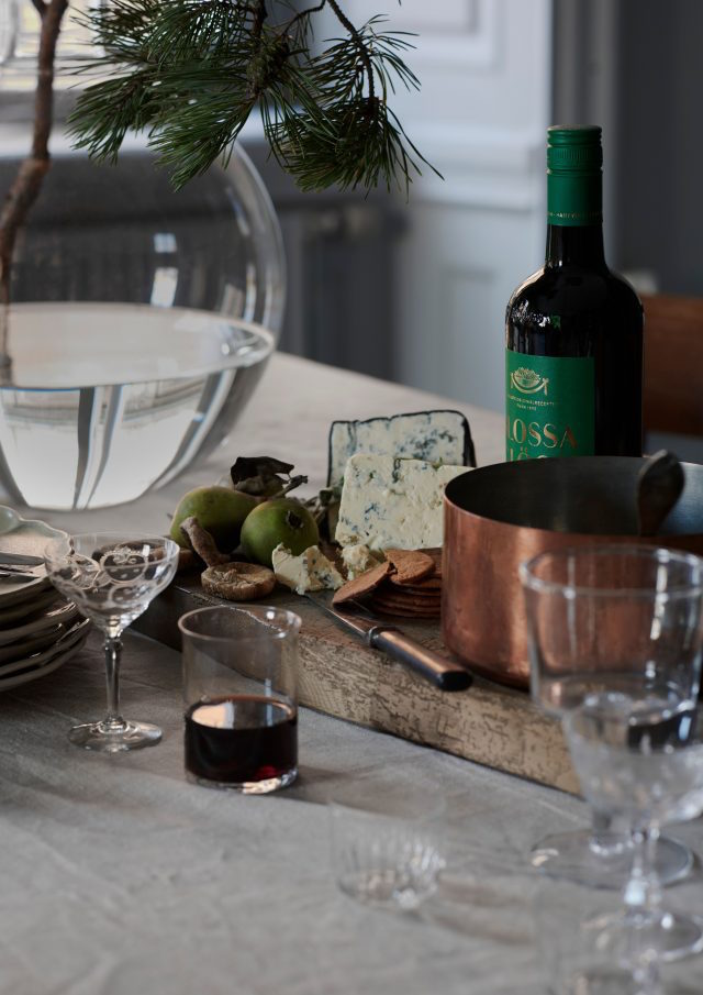 Swedish christmass table with Blossa  glögg