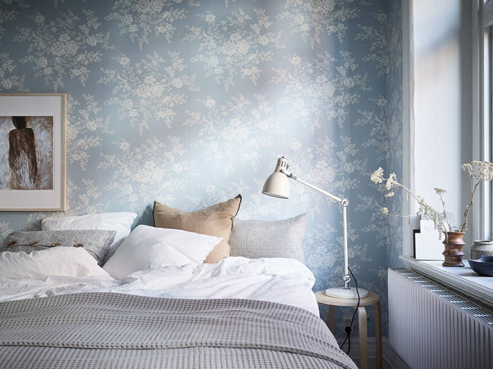 Light and fresh blue wallpaper in Swedish apartment