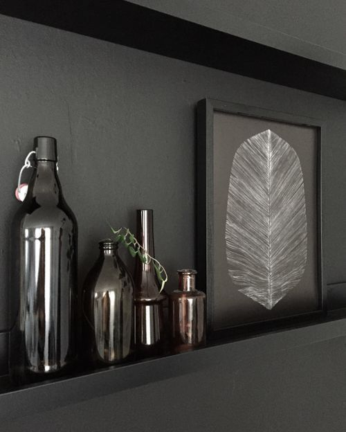Black Feather Print (2 sizes) - Scandinavian style | Nordic Design | Grøn + White