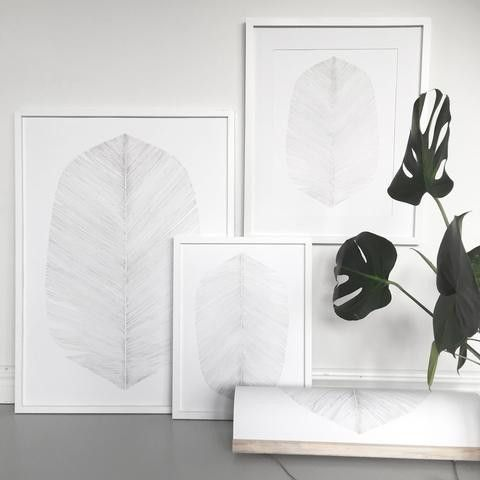 White Feather Print - Scandinavian style | Nordic Design | Grøn + White