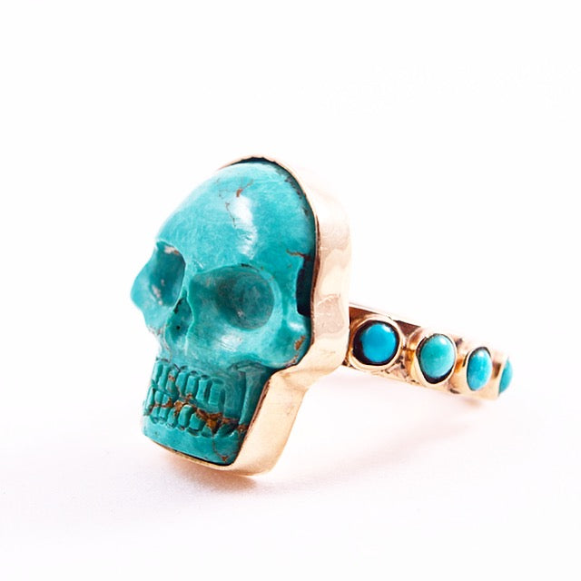 ONE OF A KIND SLEEPING BEAUTY GOLD SKULL RING