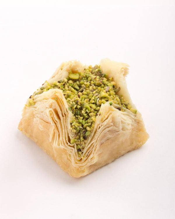 Flower with Pistachio Centre (WARDEH)