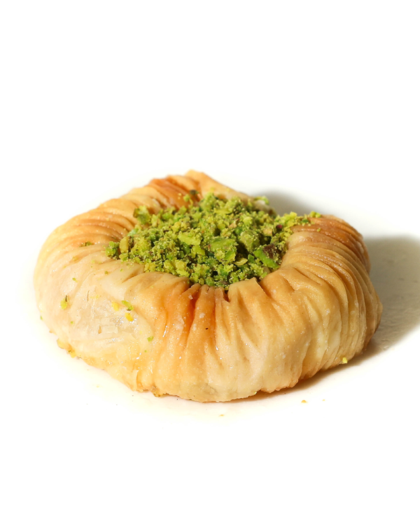 Baklava Ring with Pistachio Centre (SWAR Al-SIT)