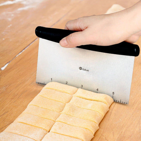 Pastry Scraper, Cut and Scrape Bread and Pizza Dough