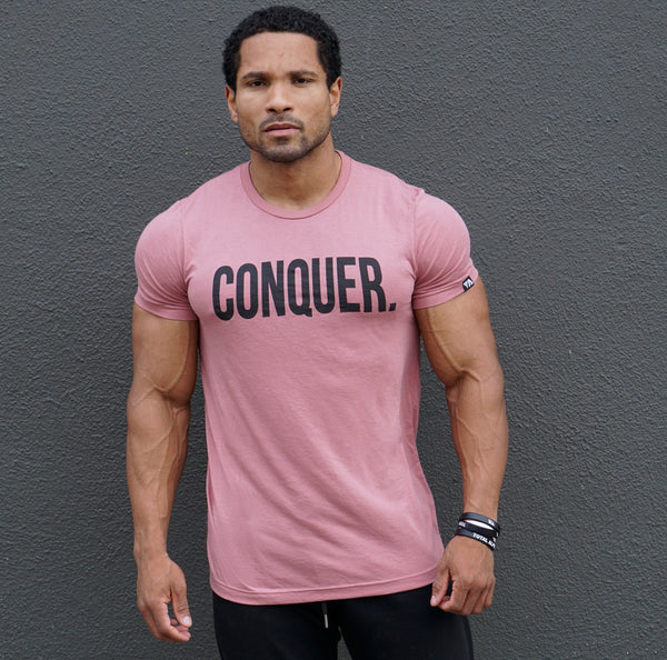 "Total Alpha ""CONQUER"" - Tee-Salmon"